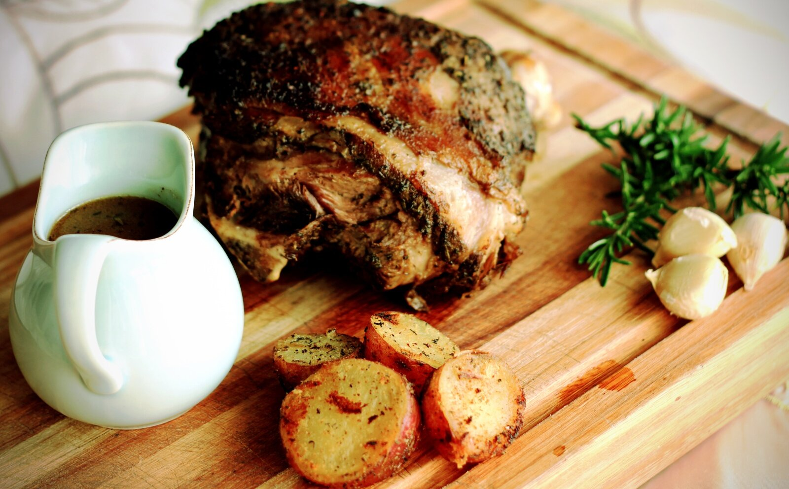 Slow roast leg of lamb rosemary garlic smoked paprica rub